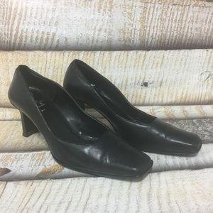 Anne Klein Square Toe Black Pump Size 8
